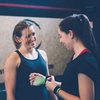 Das Tabata Training ist ein hochintensives Intervalltraining, dessen Grundlage die Kombination von Kraft- und Cardiotraining bildet. Ein Tabata-Intervall besteht aus 8 Intervallen à 20 Sekunden.